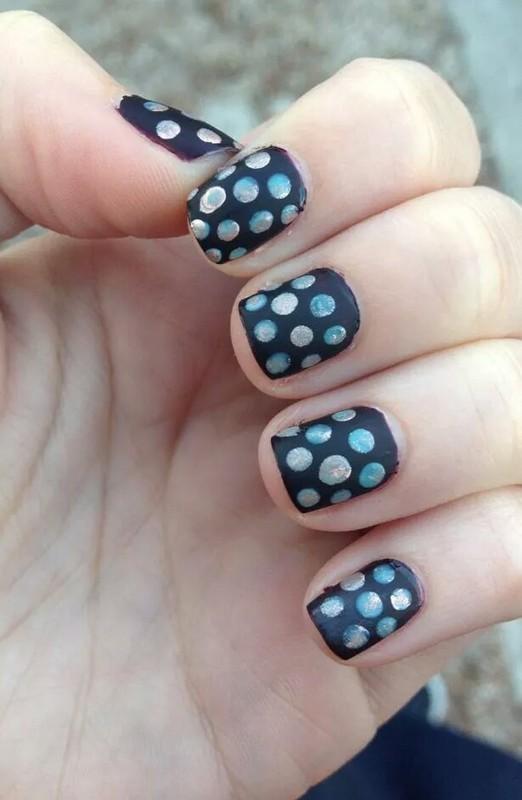 festive polka dots nail art by Stephanie