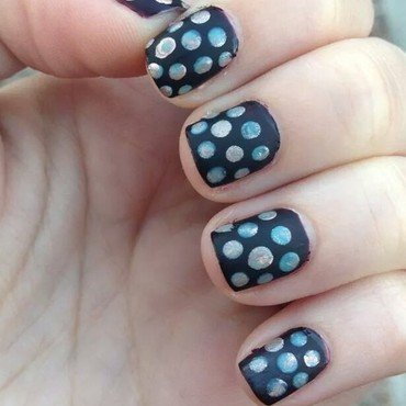 festive polka dots nail art by Stephanie