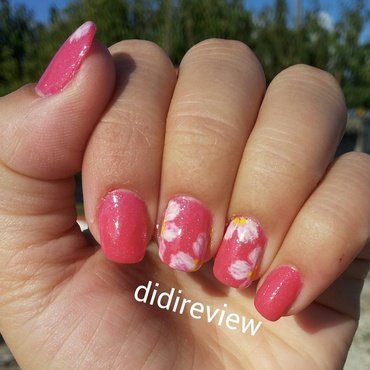 white flowers nail art by Didi didireview