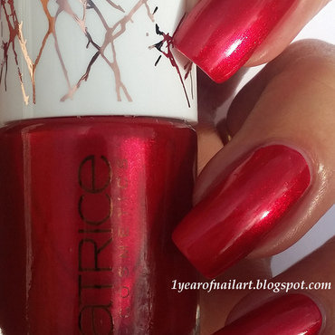 Swatch 20catrice 20limited 20edition 20metallure 20c01 20alluring 20red thumb370f