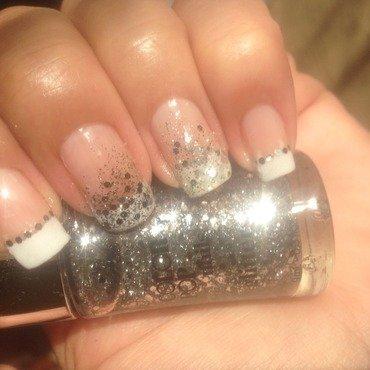 Sparkling paradise nail art by Valeska Escobar