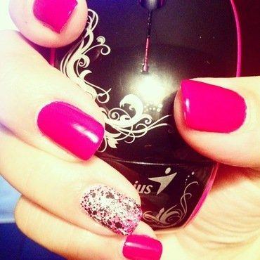 Berry Genius nail art by Valeska Escobar