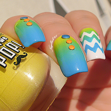 Essence Neon Stud Gradient nail art by Arlett