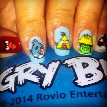 Angry Birds nail art by Valeska Escobar