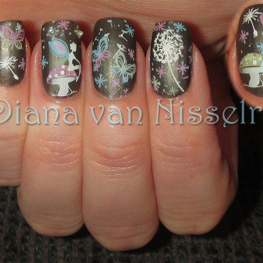 Dream Flight nail art by Diana van Nisselroy