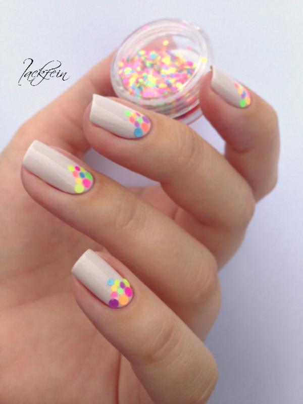 Neon Glitter nail art by lackfein