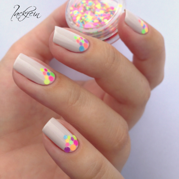 Neon Glitter nail art by lackfein