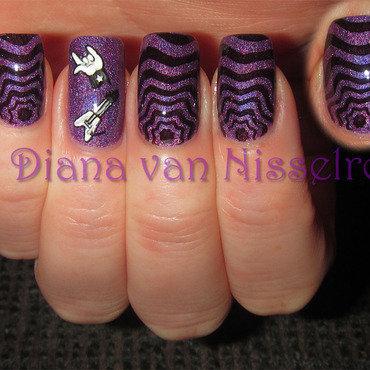 Purple Music Nails (Heideweek) nail art by Diana van Nisselroy