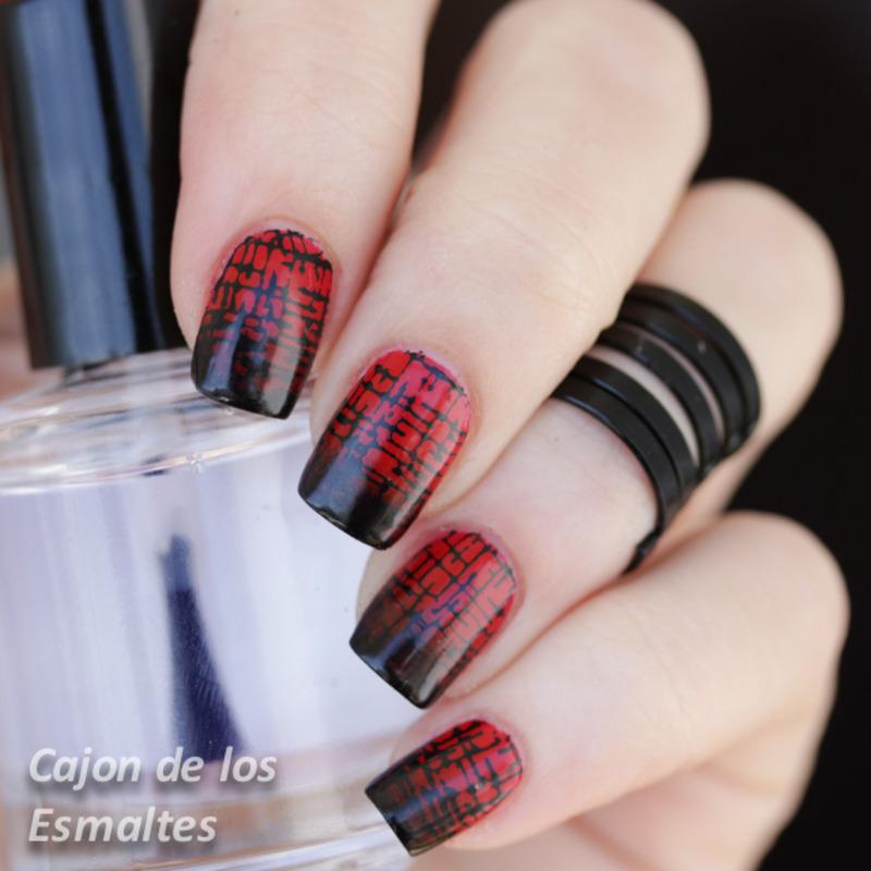 Louboutin gradient with stamping nail art by Cajon de los esmaltes