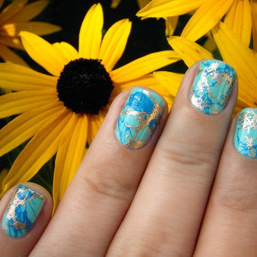 Turquoise & Gold Water Spotted Nails nail art by nihrida