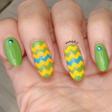Zig Zag Neon nail art by Nora (naq57)