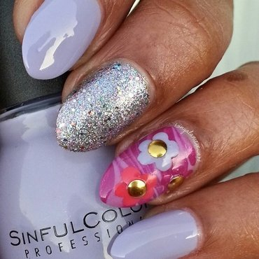 Watermarble & Dotti Flower Mani nail art by Tonya