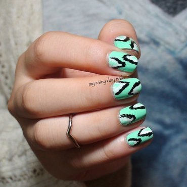 Mint Green Ikat Nails nail art by Nova Qi (My Rainy Day Nails)