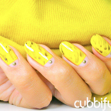 31DC2014 - Day 3: Yellow Nails nail art by Cubbiful