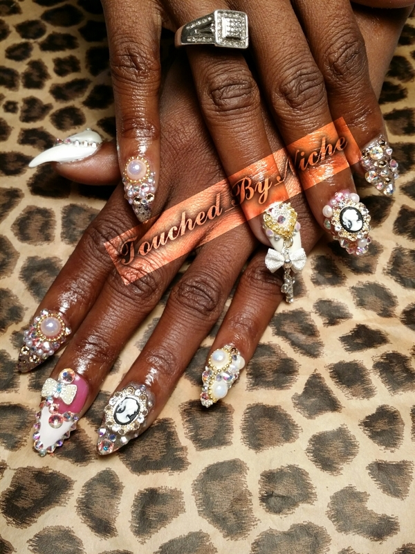 Cameo Queen nail art by Niche