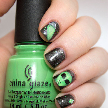 #31DC2014 Day Four Green nail art by Julie