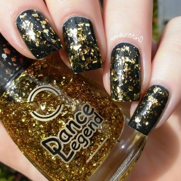 OPI live and let die and Dance Legend Aztec No.1 Swatch by Ann-Kristin