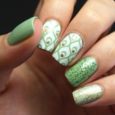 Green Bling nail art by Emiline Harris