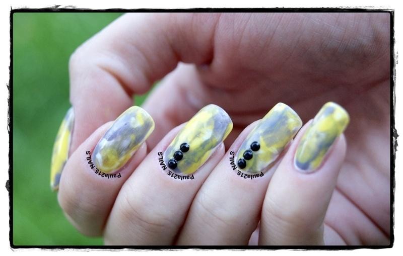 Yellow&Gray nail art by Paula215. NAILS