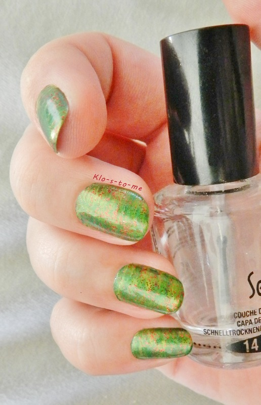 Vert et or nail art by klo-s-to-me