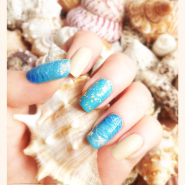 Following the waves nail art by Bazavan Diana