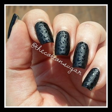 Glossy matte leopard print nail art by TheCottonSugar