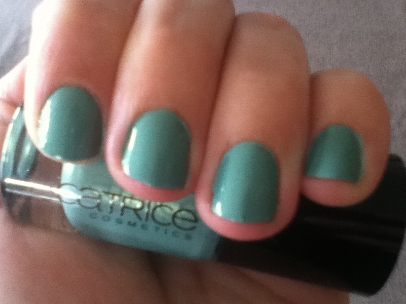 Catrice Mint me Up Swatch by LoreV