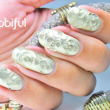 31dc2014 metallic nails flowers thumb370f