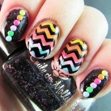 Rainbow Chevron Nail art nail art by Melissa (Clavum Es)