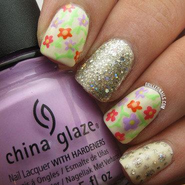 Flower Nail Art nail art by Hector Alfaro