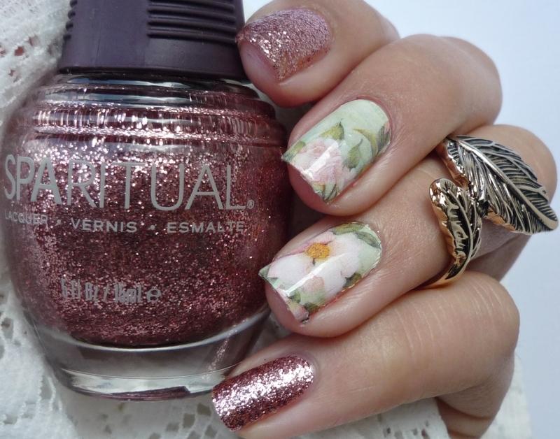 Floral Nails nail art by Romana