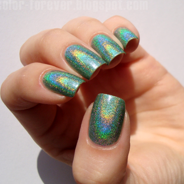 Layla Emerald Divine Swatch by ania