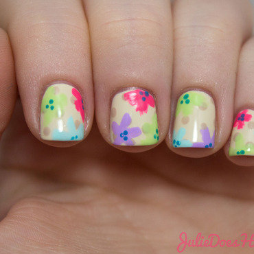 #31DC2014 Day Fourteen: Flower Nails nail art by Julie
