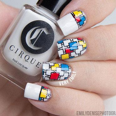 Klimt meets Mondriaan nail art by Very Emily