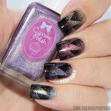 Scaled Starburst Gradient nail art by Very Emily