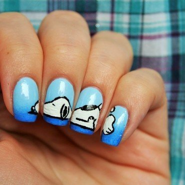 Snoopy nail art by Jane