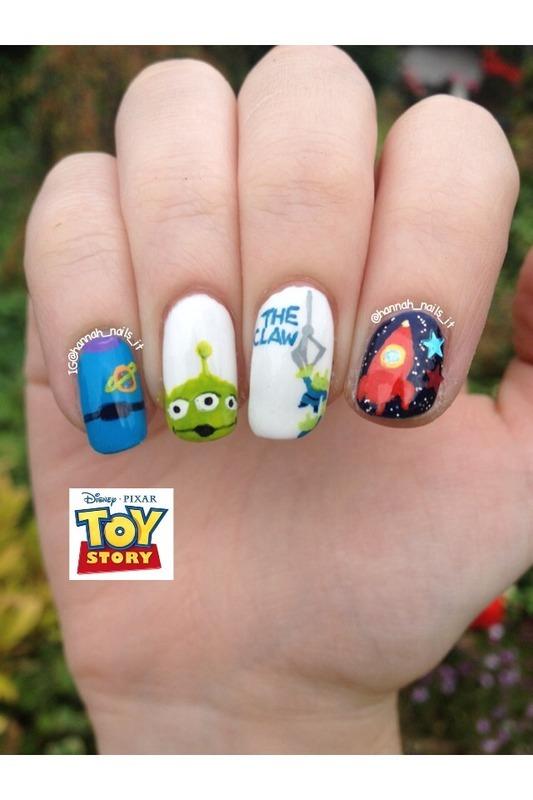 """""""The Claaaaaaaw!"""" nail art by Hannah"""