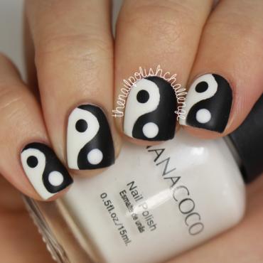 Yin Yang Nail Art nail art by Kelli Dobrin