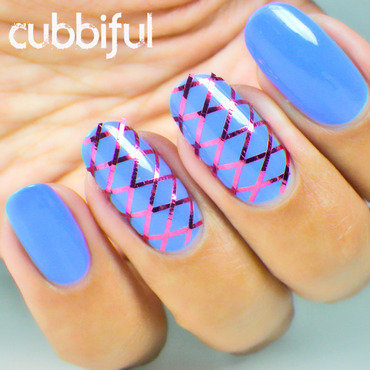 31DC2014 - Day 16: Geometric nail art by Cubbiful