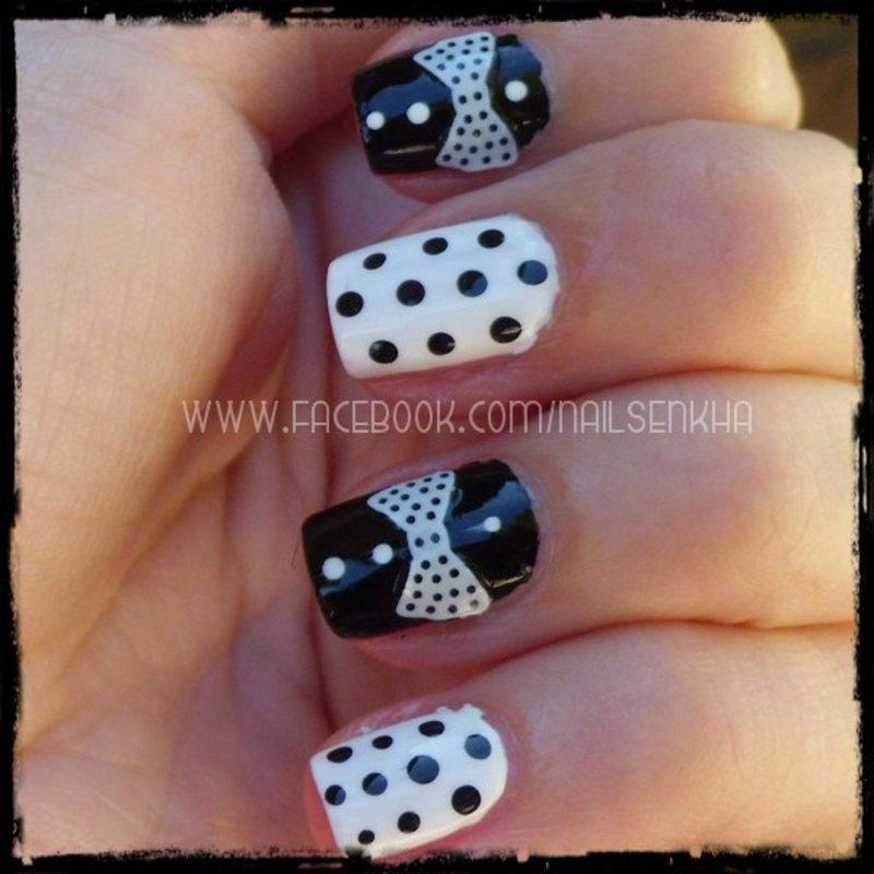 Lazos y puntos nail art by Nailsenkha