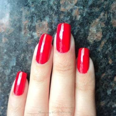 L'Oréal Paris Color Riche Exquisite scarlet Swatch by Anubhooti Khanna