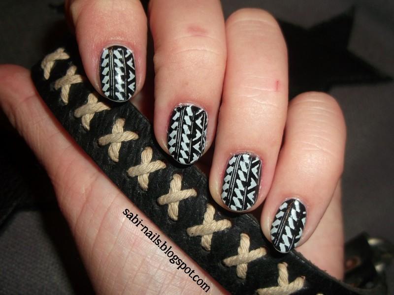 Aztec nails nail art by Sabina