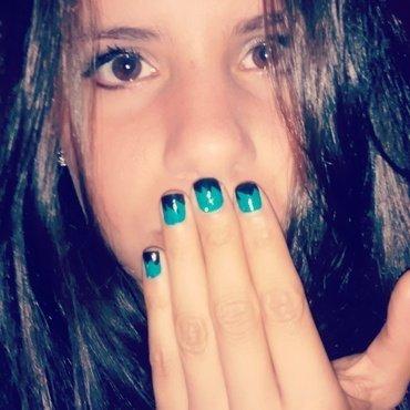 picos negros y verdes+glass nail art by ElisaUgalde