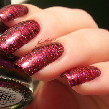 Red Marbling nail art by Arlett