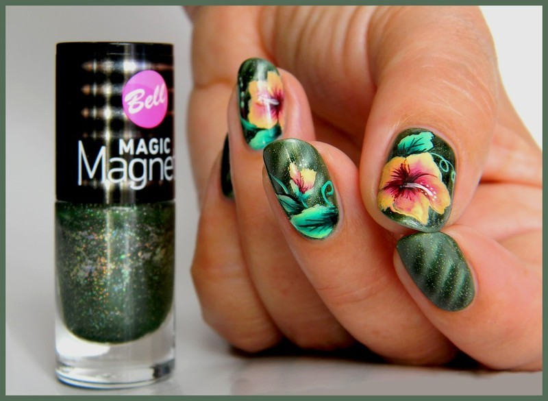 Hibiscus nail art by BAurorenail