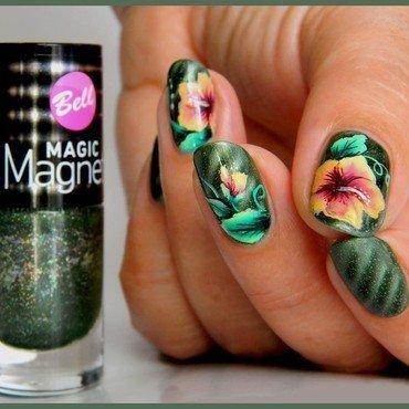 Hibiscus 20one 20stroke 20sur 20vernis 20magnetique 201 thumb370f