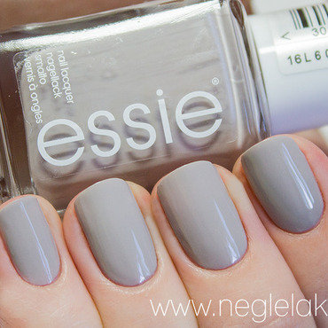 Essie Take It Outside Swatch by Ida Malene