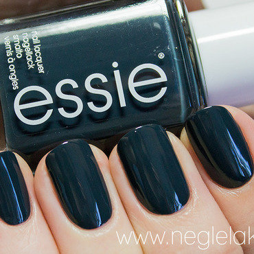 Essie The Perfect Cover Up Swatch by Ida Malene