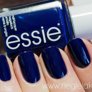 Essie Style Cartel Swatch by Ida Malene