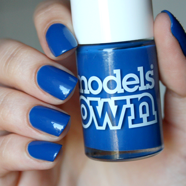 Real and true BLUE! nail art by Magda